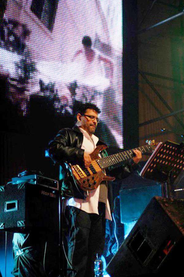 Mario Álvarez - Bajista